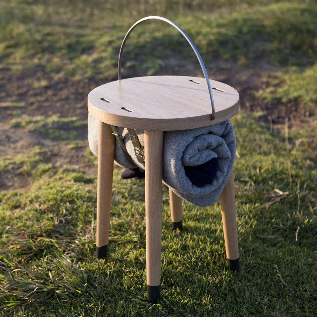 CARRIER STOOL