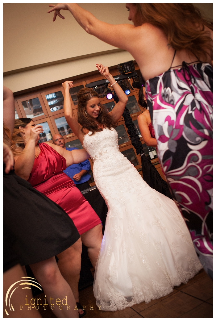 ignited Photography Michael Hicks Amy Sanford Oak Pointe Country Club Pinckeny Brighton Howell Pinckney Michigan_047.jpg