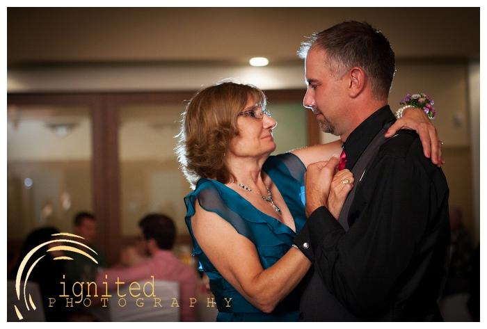 ignited Photography Michael Hicks Amy Sanford Oak Pointe Country Club Pinckeny Brighton Howell Pinckney Michigan_038.jpg