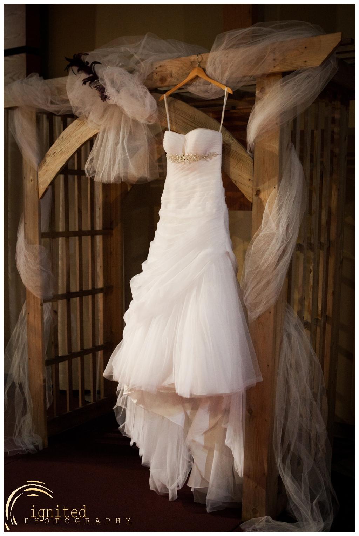 ignited Photography Alyssa  Castwell and Caleb Merna Wedding Brighton Nazarene The Naz Howell MI_0010.jpg