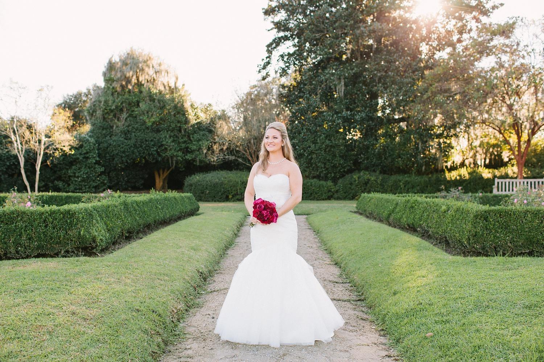 Lindsey_A_Miller_photography_bridal_portrait_middleton_plantation_charleston_sunset_spanish_moss_003.jpg