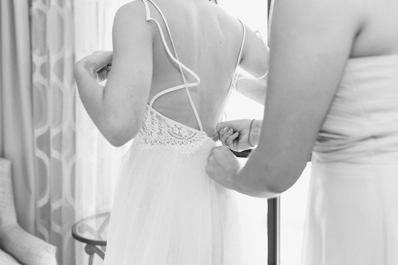 lindsey_a_miller_photography_historic_rice_mill_charleston_wedding_17.jpg
