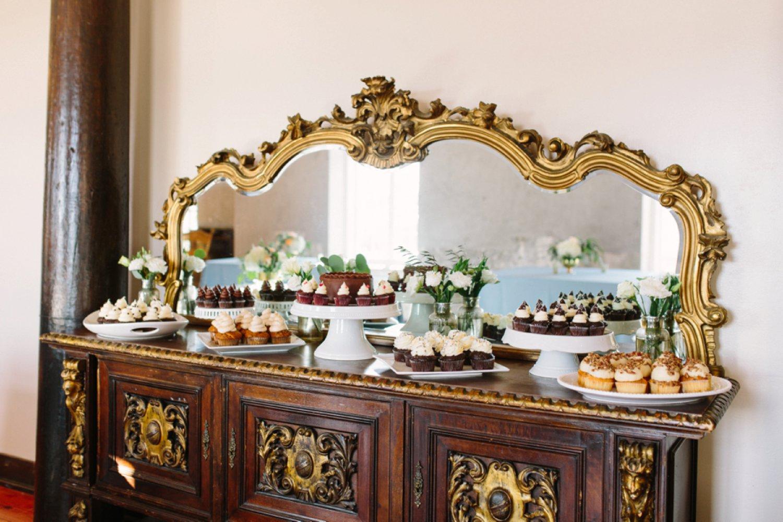 lindsey_a_miller_photography_historic_rice_mill_charleston_wedding_61.jpg
