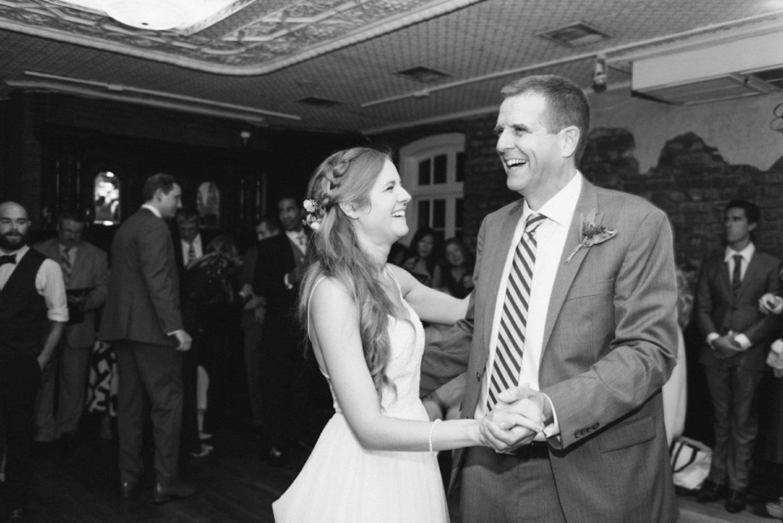 lindsey_a_miller_photography_historic_rice_mill_charleston_wedding_71.jpg