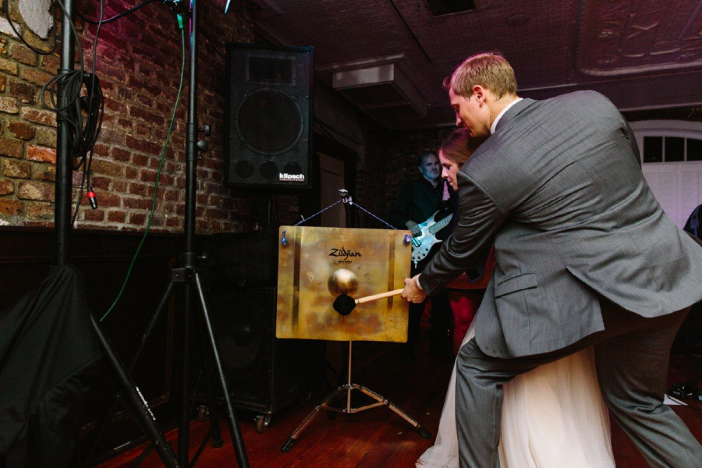 lindsey_a_miller_photography_historic_rice_mill_charleston_wedding_84.jpg