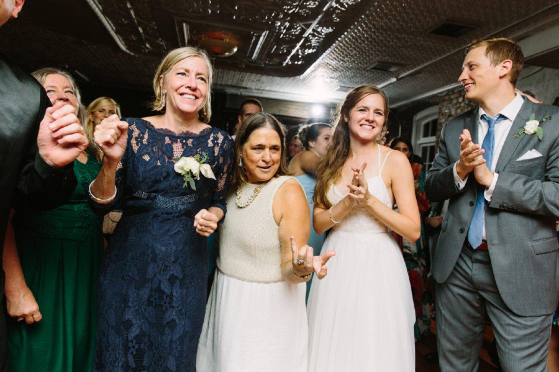 lindsey_a_miller_photography_historic_rice_mill_charleston_wedding_87.jpg