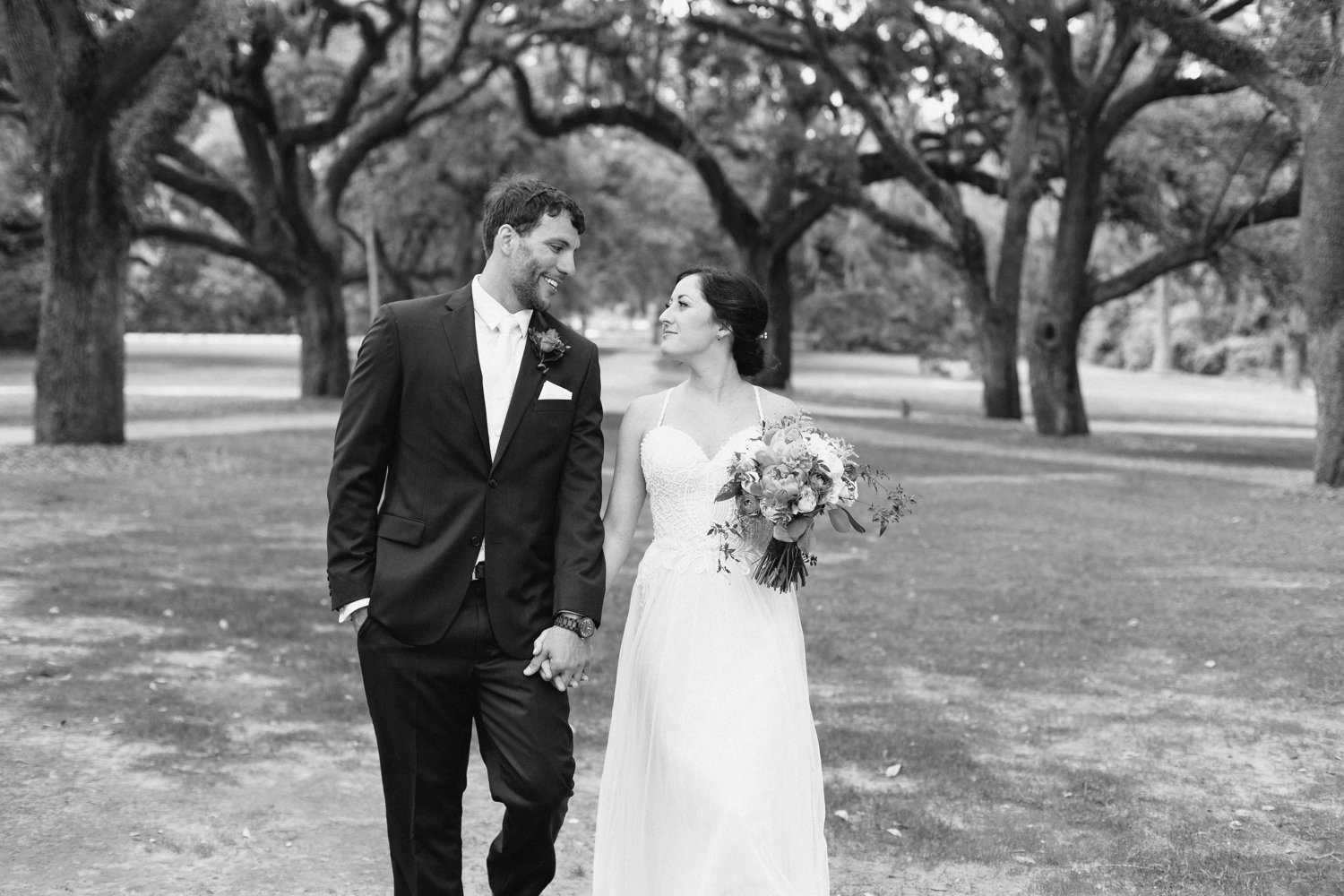 Lindsey_A_Miller_Photography_mcleod_plantation_wedding_charleston_south_carolina_clear_tent_spring_mod_events_032.jpg