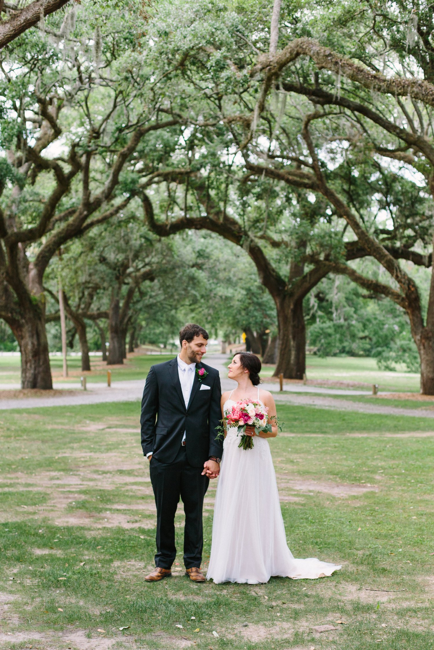 Lindsey_A_Miller_Photography_mcleod_plantation_wedding_charleston_south_carolina_clear_tent_spring_mod_events_033.jpg