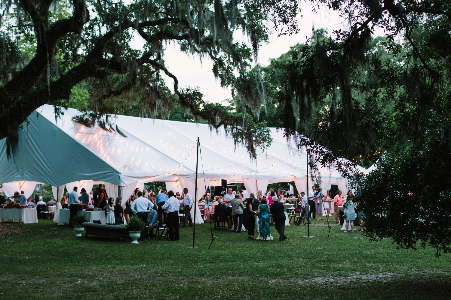 Lindsey_A_Miller_Photography_mcleod_plantation_wedding_charleston_south_carolina_clear_tent_spring_mod_events_080.jpg