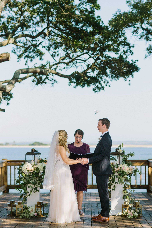 Lindsey_A_Miller_Photography_wedding_southport_community_building_bubbly_events_north_carolina_coasta_cannon_nautical_historic_019.jpg