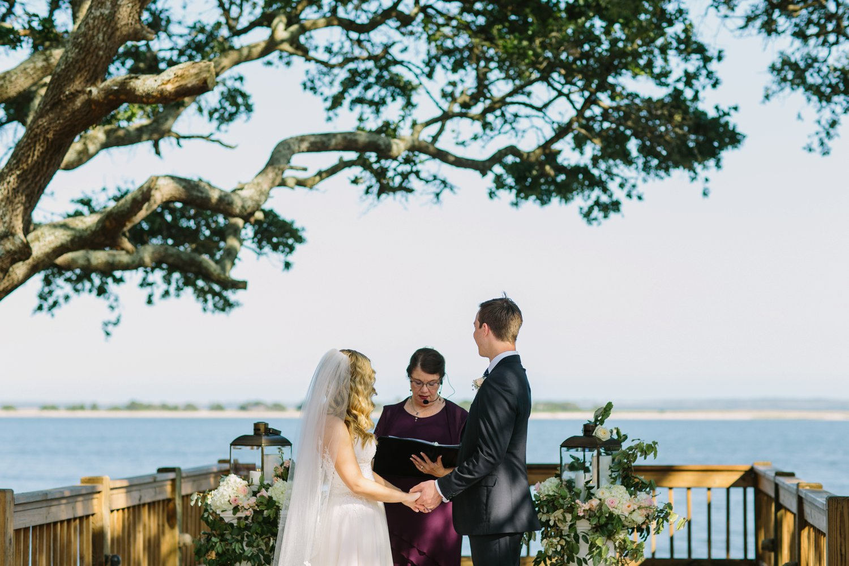 Lindsey_A_Miller_Photography_wedding_southport_community_building_bubbly_events_north_carolina_coasta_cannon_nautical_historic_021.jpg