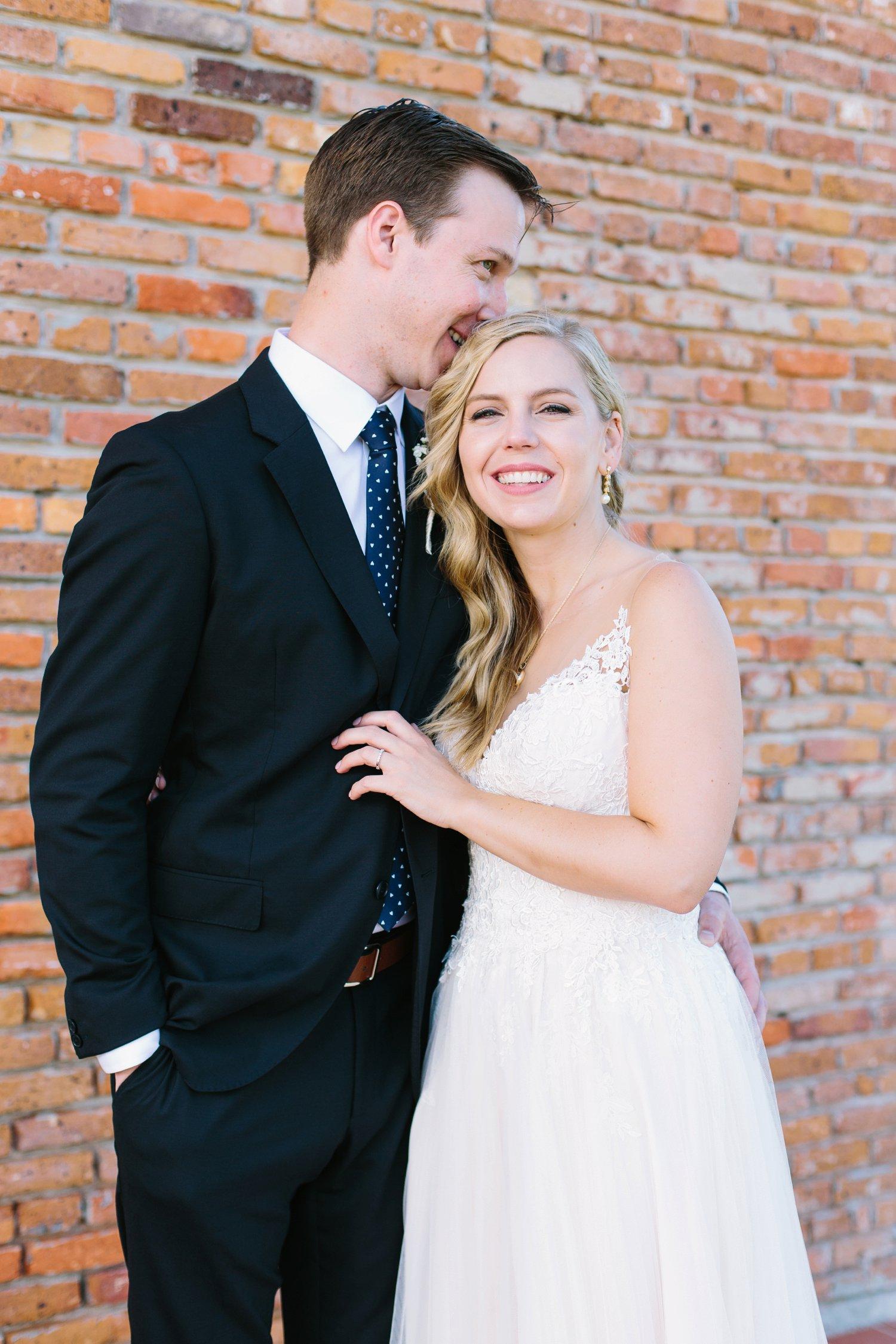 Lindsey_A_Miller_Photography_wedding_southport_community_building_bubbly_events_north_carolina_coasta_cannon_nautical_historic_044.jpg