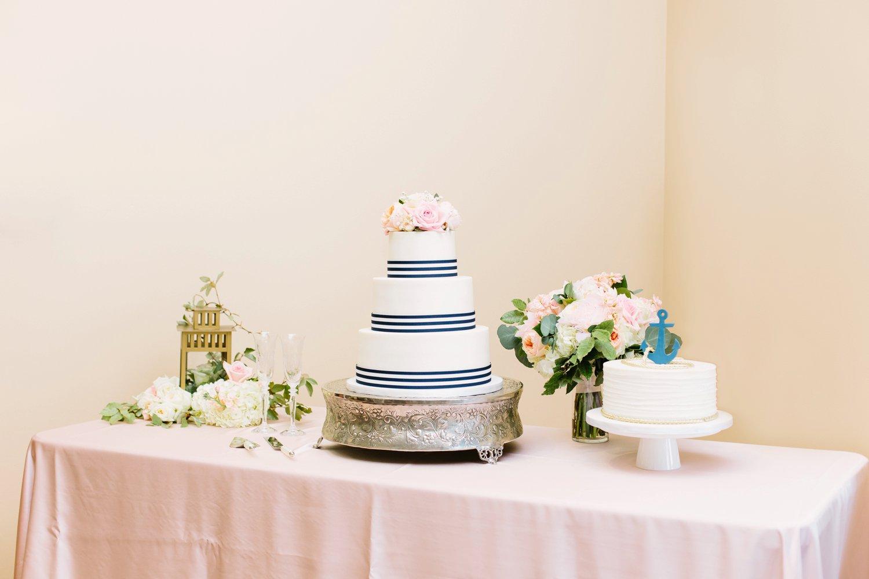 Lindsey_A_Miller_Photography_wedding_southport_community_building_bubbly_events_north_carolina_coasta_cannon_nautical_historic_077.jpg