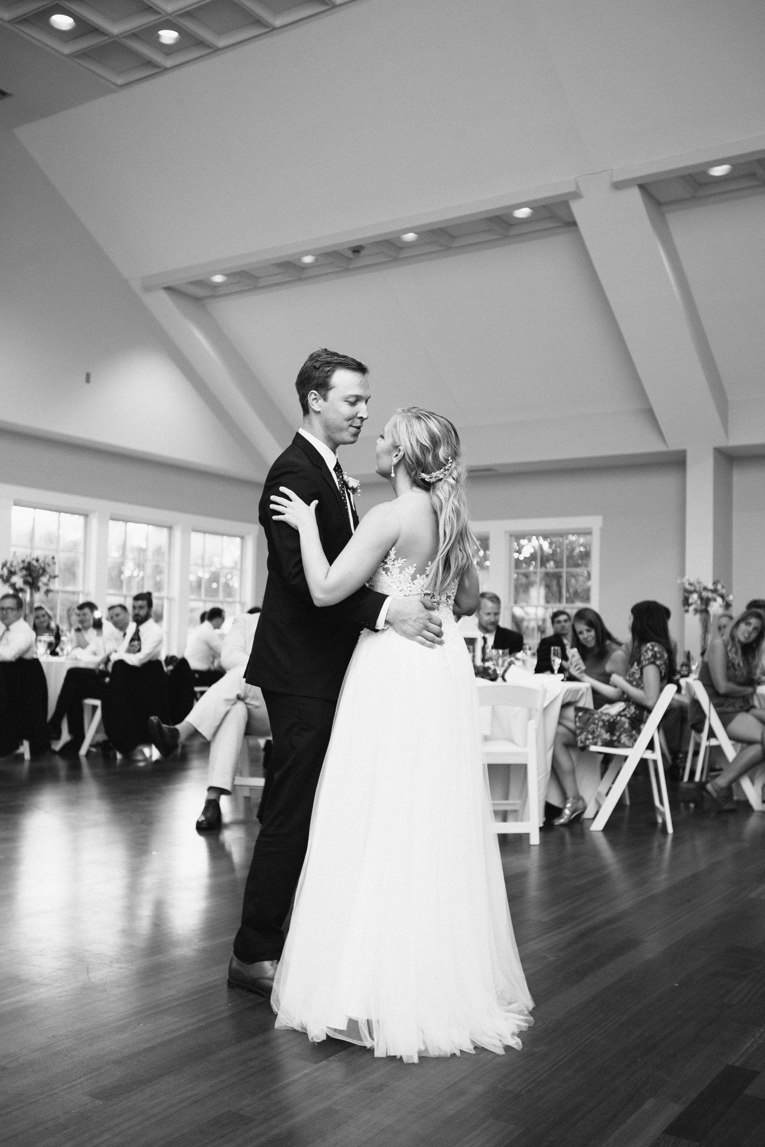 Lindsey_A_Miller_Photography_wedding_southport_community_building_bubbly_events_north_carolina_coasta_cannon_nautical_historic_082.jpg