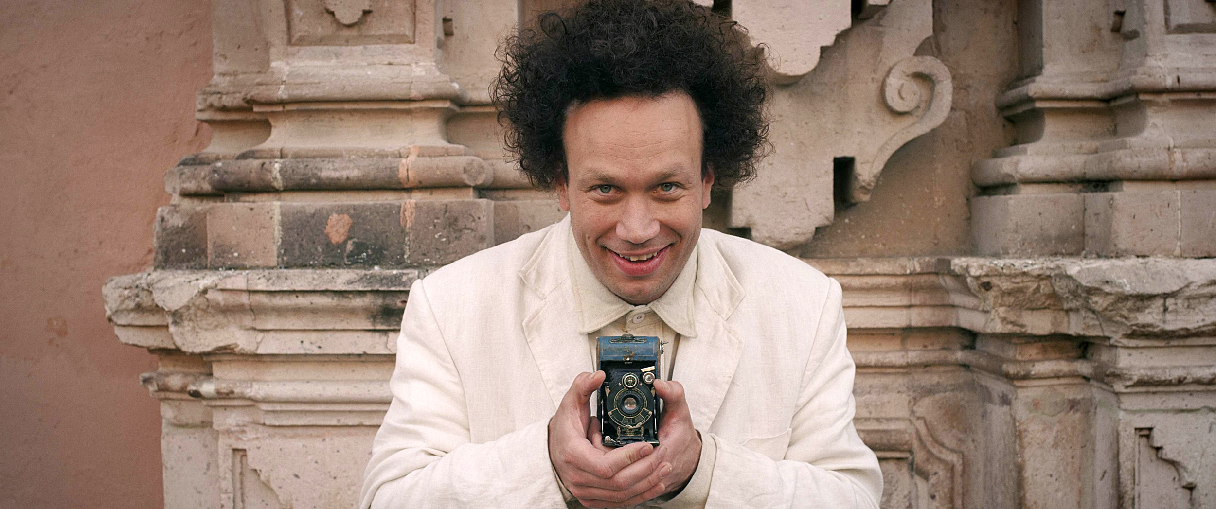 05_EISENSTEIN_In_GUANAJUATO_by_Peter_Greenaway_produced_by_Submarine_Fu_Works_and_Paloma_Negra©Submarine_2015.jpg