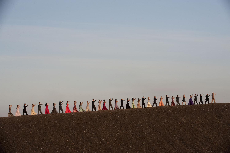 pina-dancers-walking.jpg