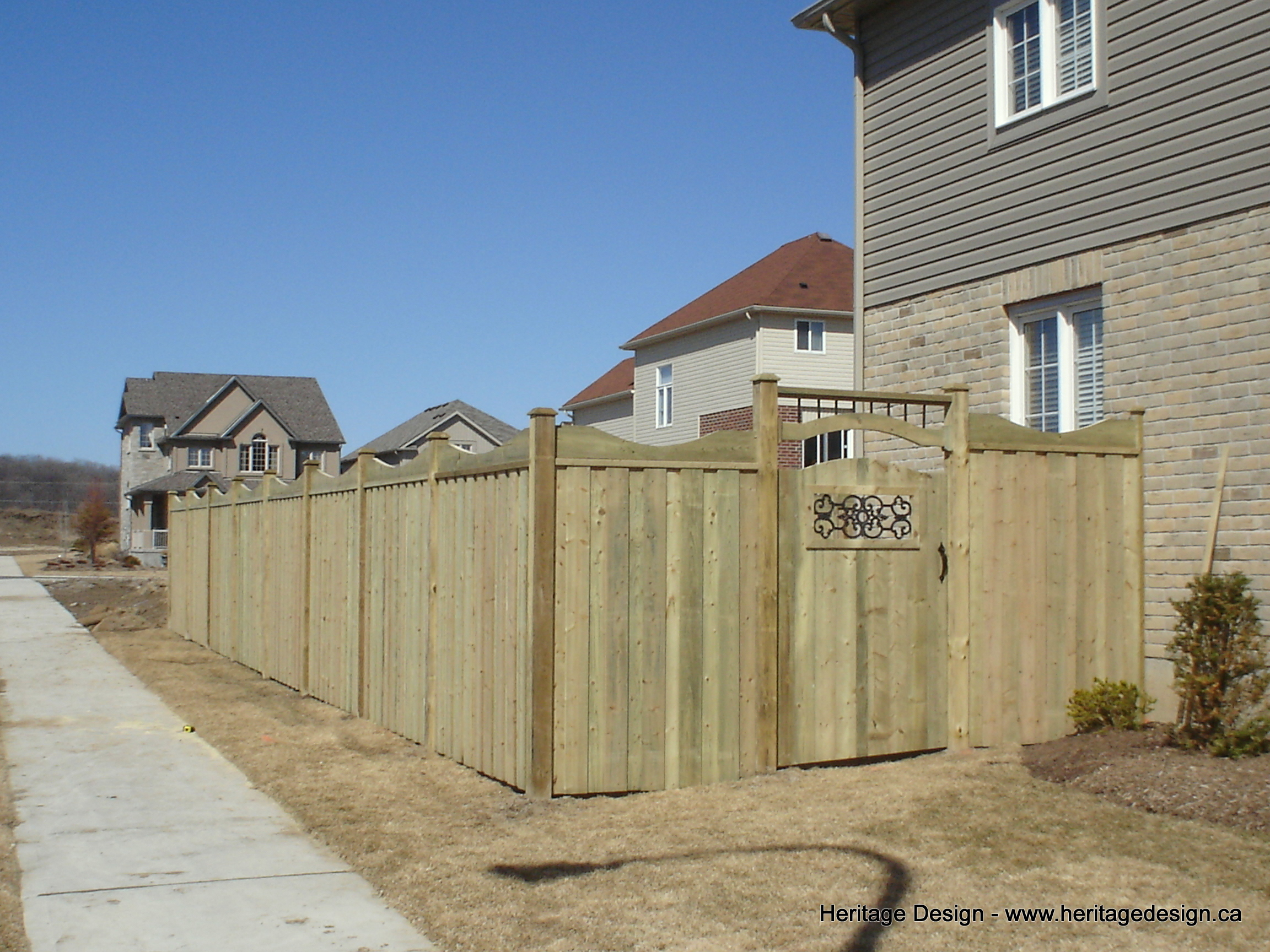Heritage Design Wood Fence-2.jpg