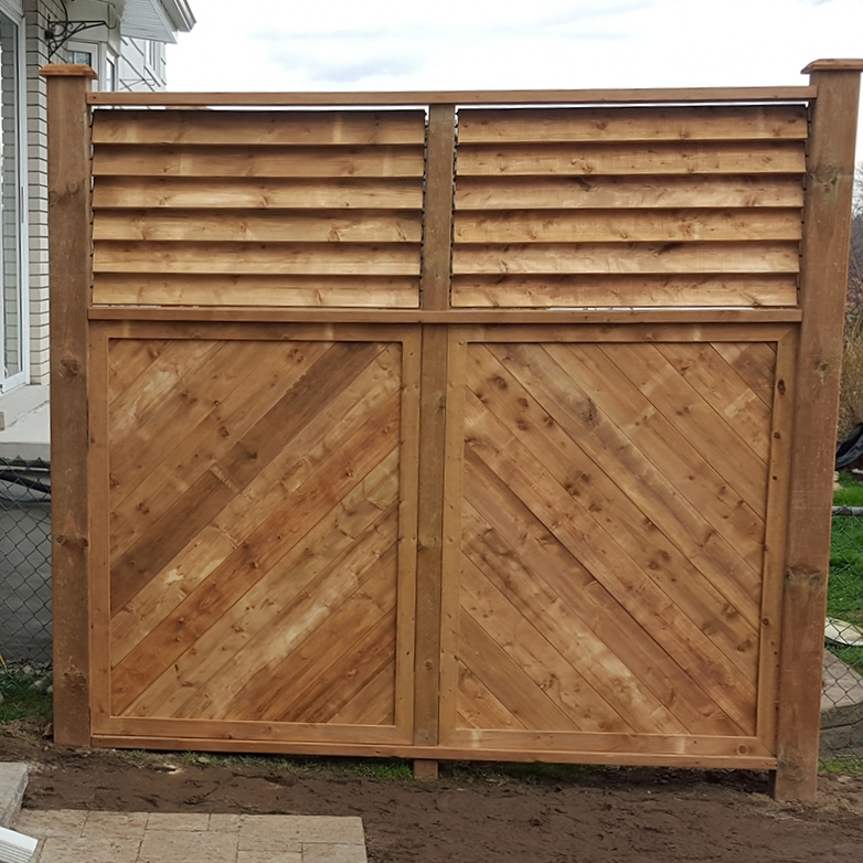 Louvered Top Privacy Screen