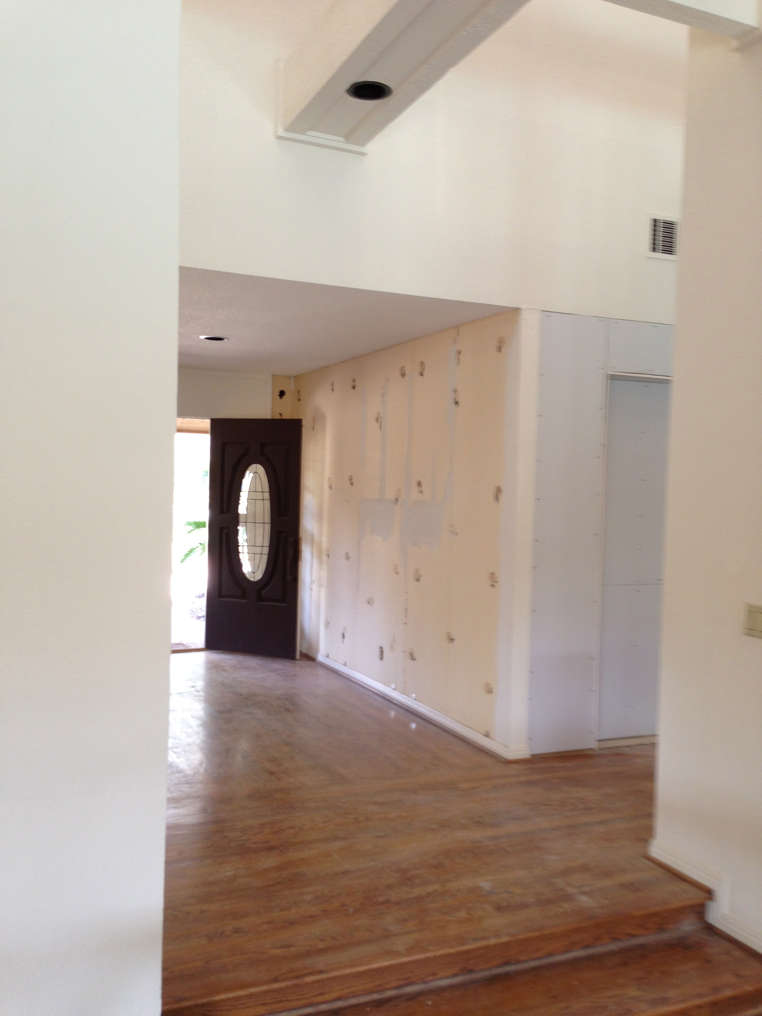 The mirrors are now all gone from the Entry Hall.
