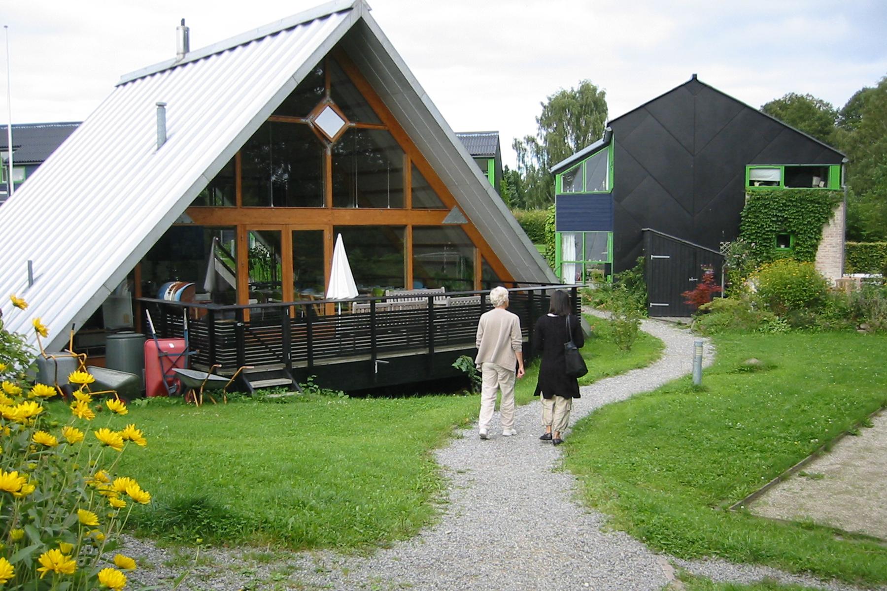 Blikfanget Cohousing in Bikerod, DK. Designed by Tegnestuen Vandkunsten