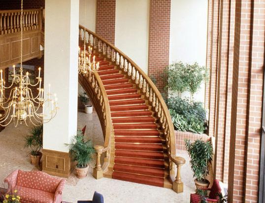 Curving Stair.jpg