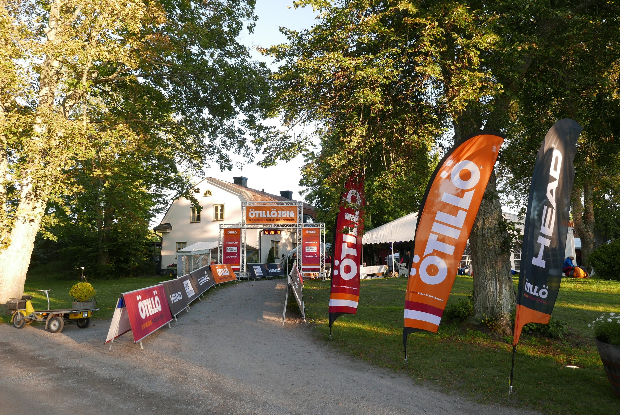 Andy and I helped out at the 'Ö till Ö world Championship' with social media in the Sthlm archipelago, Andy running around the course with the media team and Mia posted at the finish line! Such a fun group of people! Sept. 2016