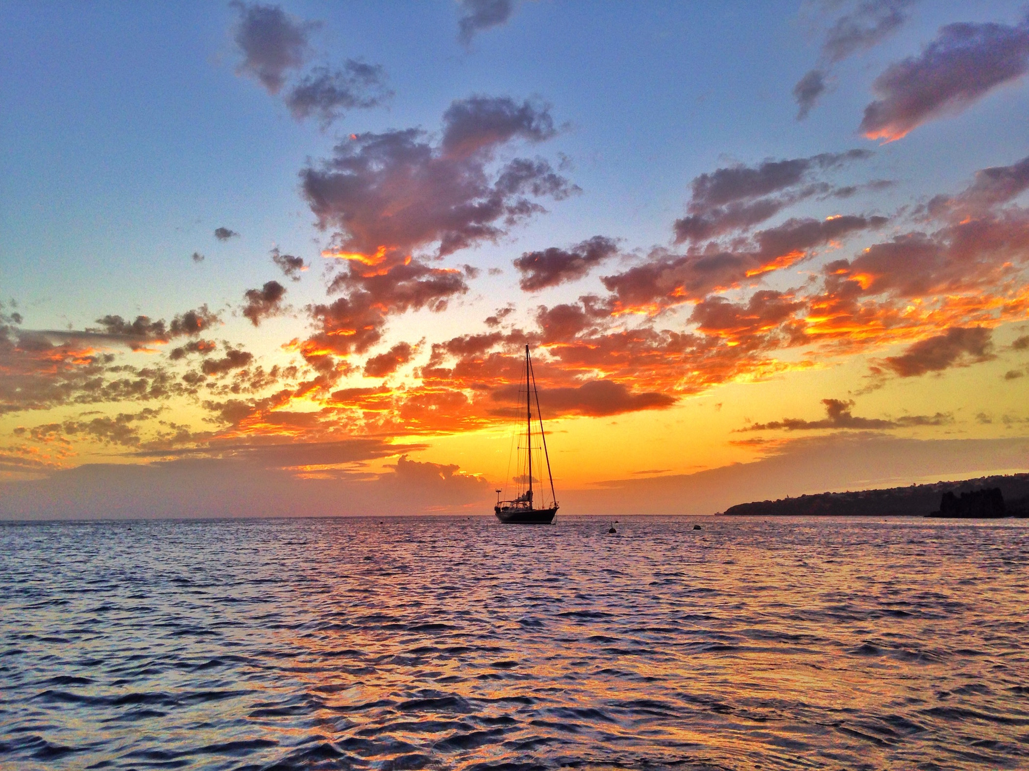 Isbjorn in St. Vincent, one of the many amazing sunsets!