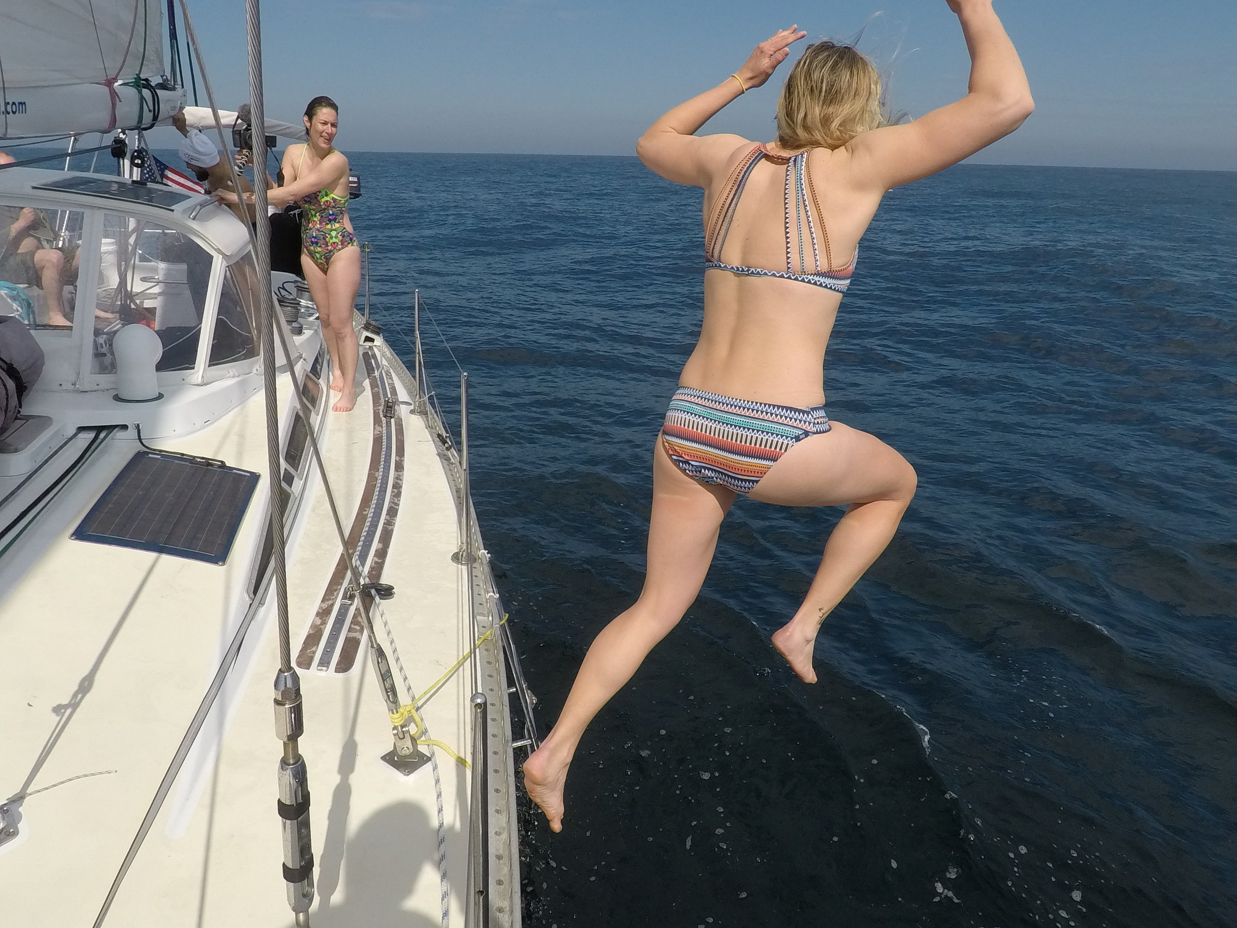 Mia takes the plunge into 48º/7º water in the North Sea!