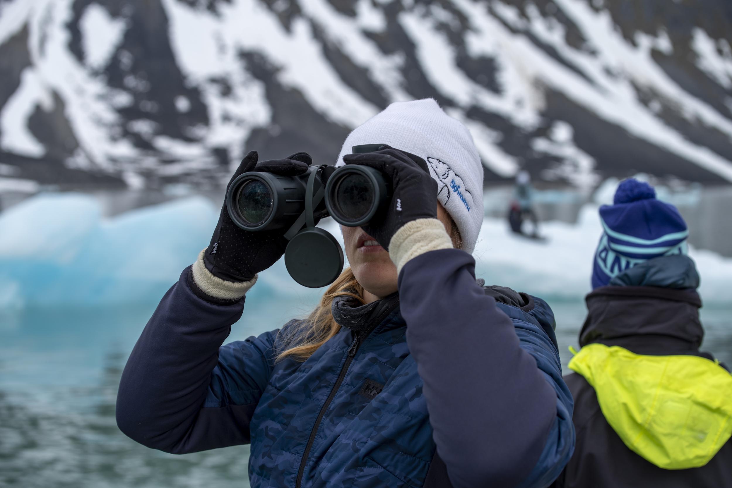 Mia & Kazza on polar bear lookout.