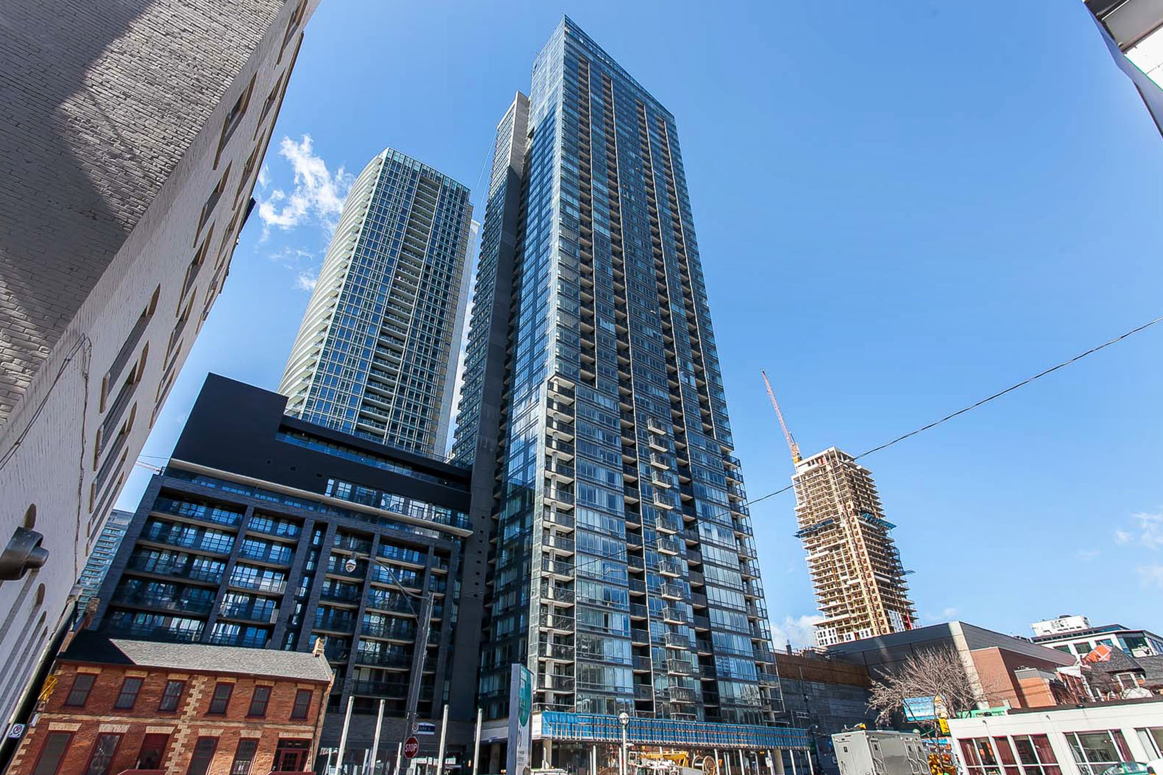 Sold |  Suite  4505  at  Pinnacle on Adelaide    295 Adelaide Street w Toronto