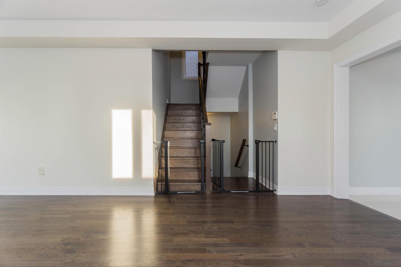 12 Rivoli Drive-large-009-31-Living Room-1500x1000-72dpi.jpg
