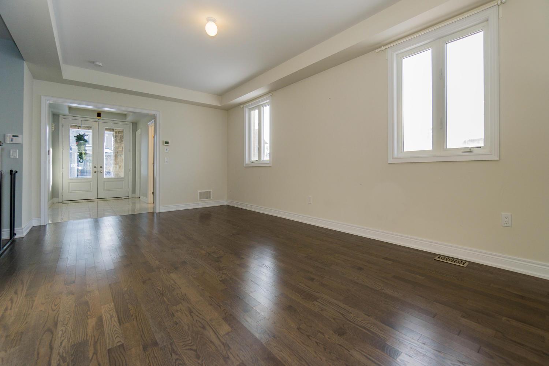 12 Rivoli Drive-large-011-10-Living Room-1500x1000-72dpi.jpg