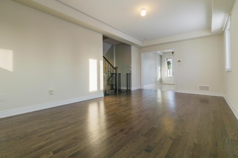 12 Rivoli Drive-large-012-12-Living Room-1500x1000-72dpi.jpg