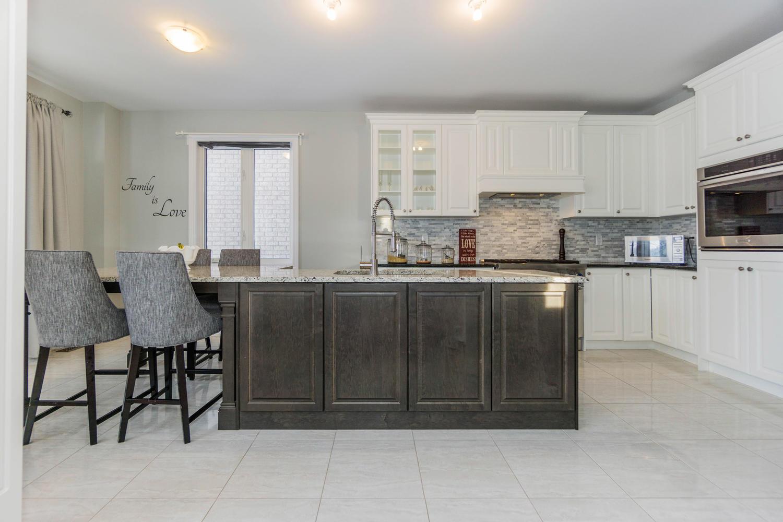 12 Rivoli Drive-large-017-21-Kitchen-1500x1000-72dpi.jpg