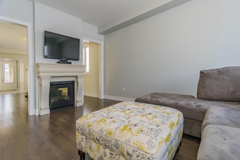 12 Rivoli Drive-large-027-5-Family Room-1500x1000-72dpi.jpg