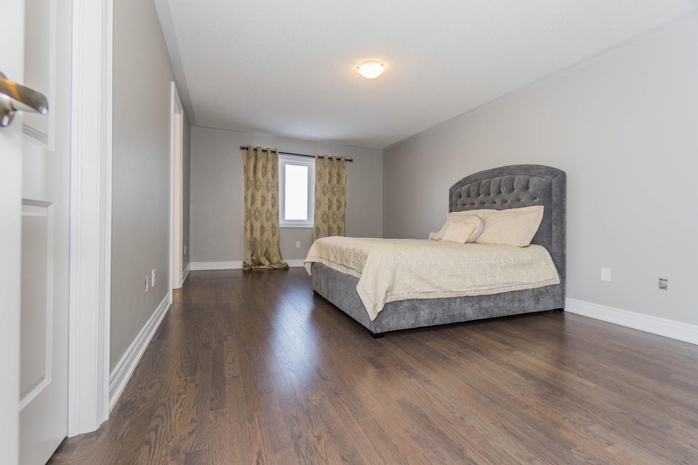 12 Rivoli Drive-large-032-26-Master Bedroom-1500x1000-72dpi.jpg