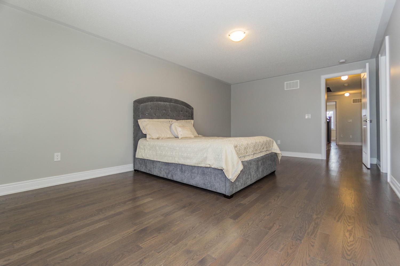 12 Rivoli Drive-large-034-29-Master Bedroom-1500x1000-72dpi.jpg