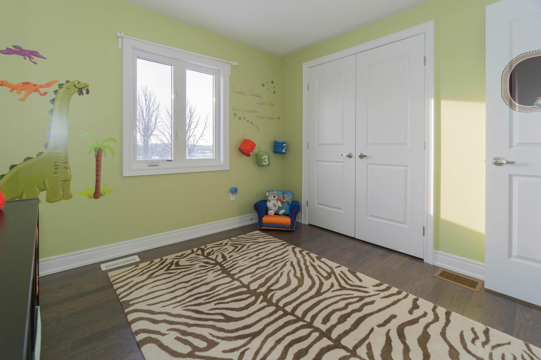 12 Rivoli Drive-large-050-56-Bedroom-1500x1000-72dpi.jpg