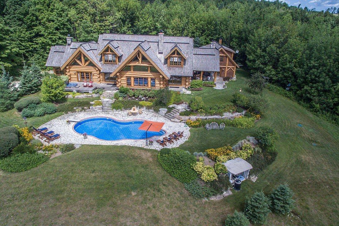 Luxury Log Home, Mulmur, Ontario