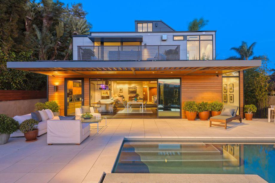 A Plant Prefab home in Santa Monica, California