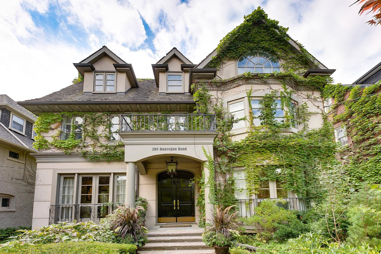 Forest Hill - 208 Dunvegan Rd, Toronto