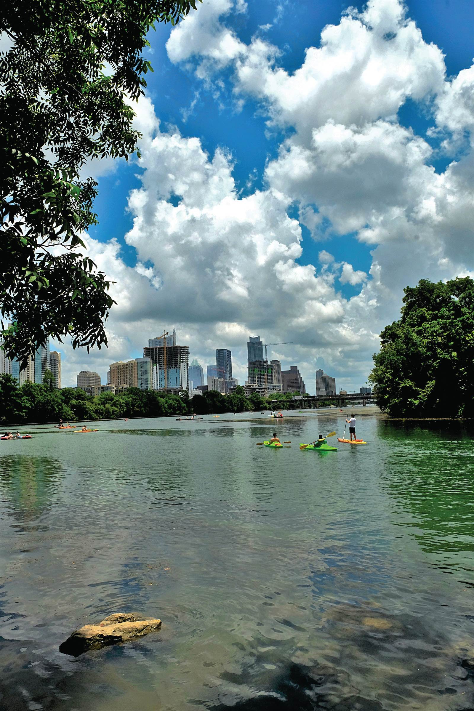 This week we jump to Austin, Texas. Boudin Creek, is one of the oldest neighborhoods in Austin, Texas and offers a truly artistic, bohemian vibe!