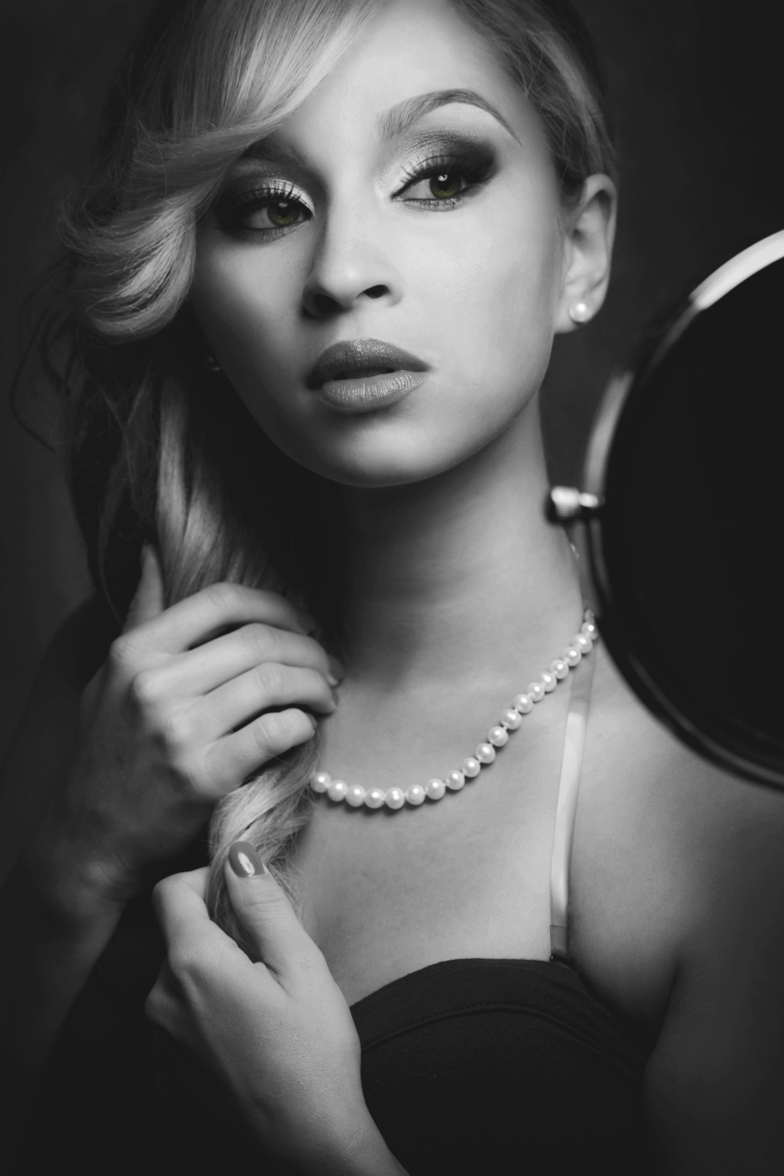 Model: Eliza. L.