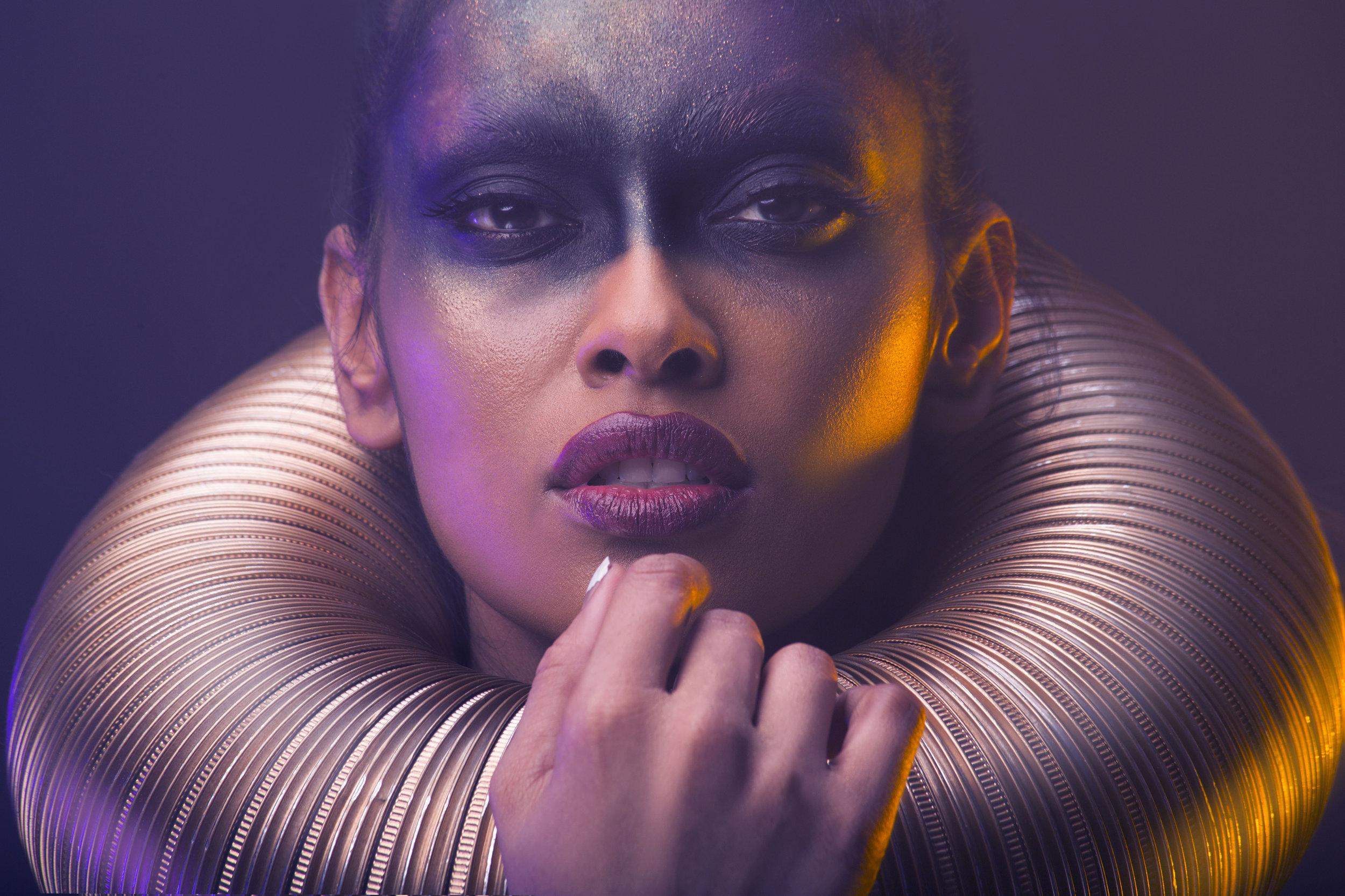 Model: Tas Aleeah