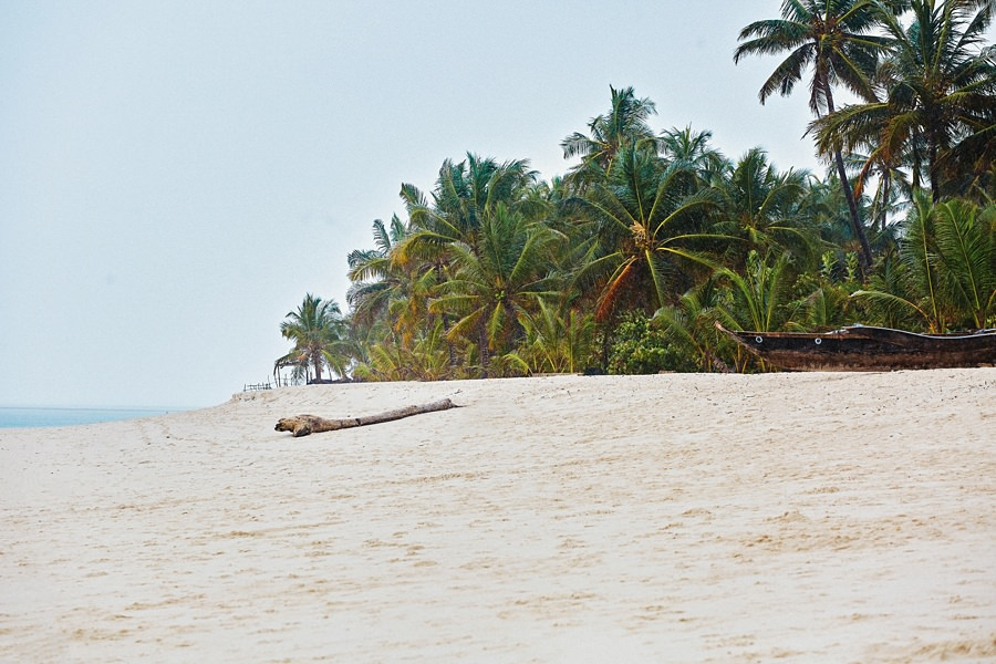 diani-beach-destination-kenyan-coast-ismaili-muslim-marriage-nikkah-ceremony-kenya-wedding-photography-_0492.jpg