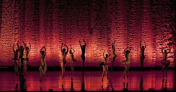 """Alonzo King Lines Ballet  Dancers with the Alonzo King Lines Ballet perform """"Scheherazade"""" at the Dorothy Chandler Pavilion.  ( Gina Ferazzi, Los Angeles Times /June 21, 2013)"""