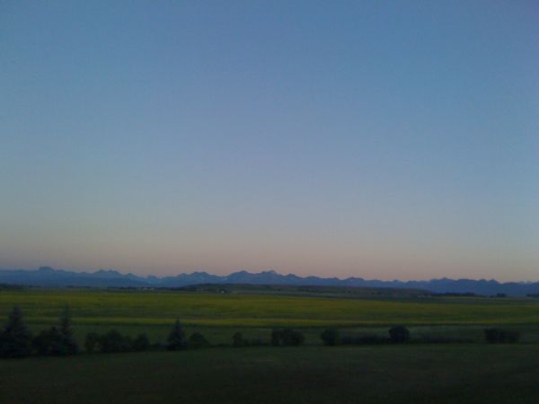 Stunning southern Alberta! Prairies with a Rocky Mountain backdrop!