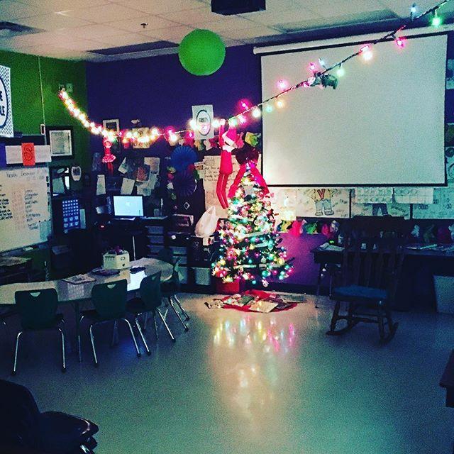 Zip-lining through the classroom sounded like a lot of fun to Max and Ruby! #bringontheelves #christmasseason #classroomelf #elfontheshelf #maxandruby #adventuresofmaxandruby #classroomchristmas #christmasinroom54 #zipliningelves #whatwilltheydotomorrow • • • • • #teachers #teacher #teaching #teaching2ndgrade #teachingwithlove #teachersofig #iteach2nd #iteach2 #secondgradw #2ndgrade #iteachtoo #iteach #txteacher #texasteacher #igteacher #igteachers #teachersofinstagram #teachersfollowteachers