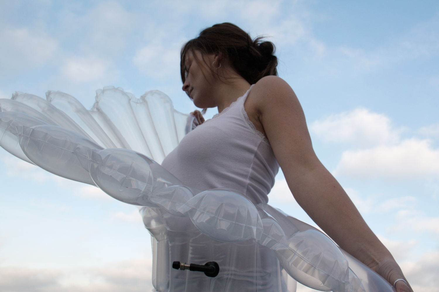 INFLATABLE FASHION - AN EXPERIMENT IN LIFE-PRESERVING CLOTHING