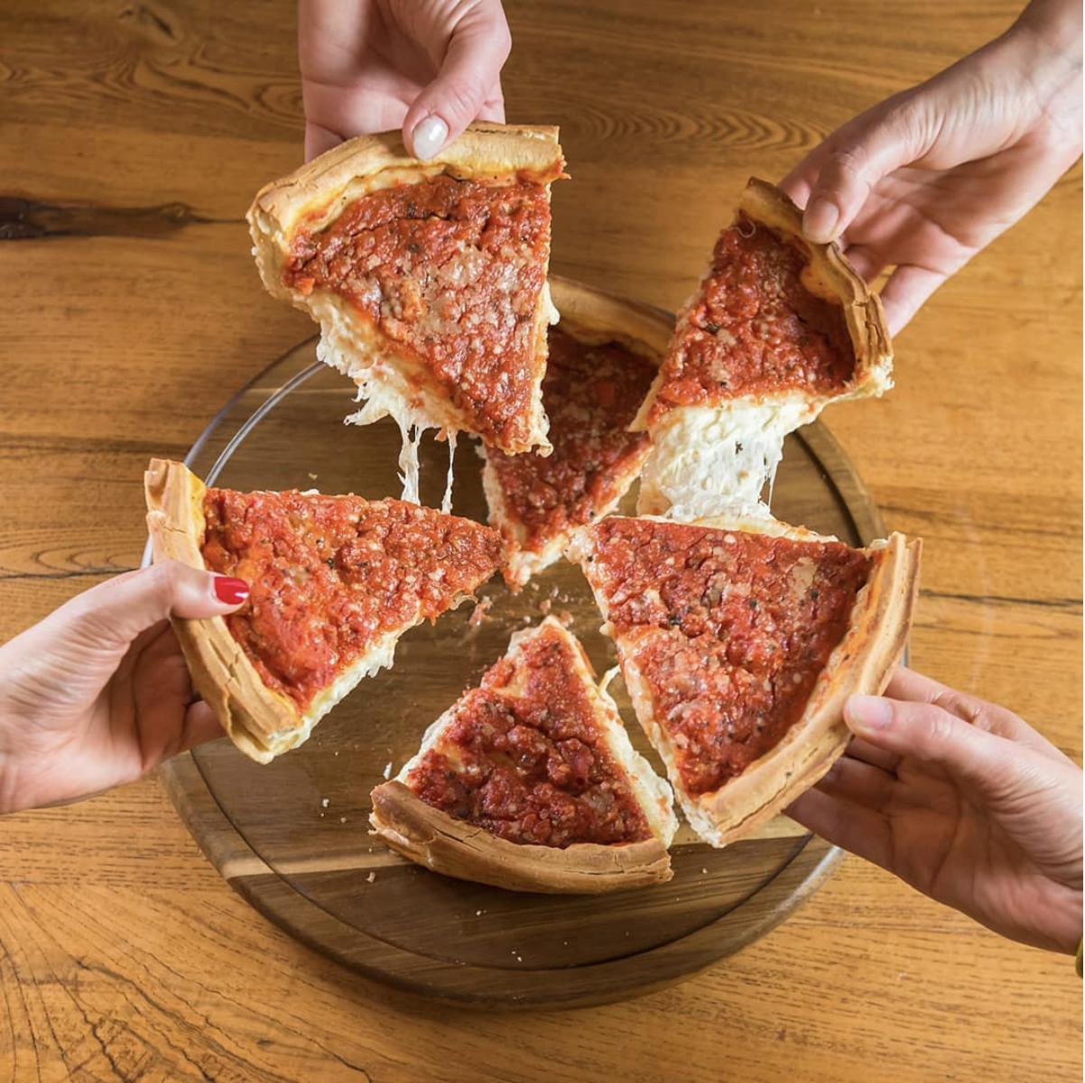 The Chicago Crime Tour & Pizza